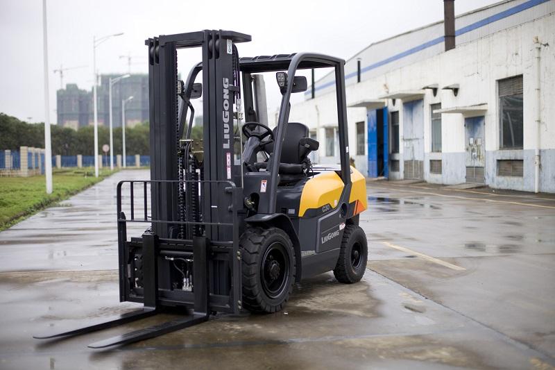 Xe nâng dầu 3 tấn Liugong CLG2030H - bản tiêu chuẩn Châu Âu