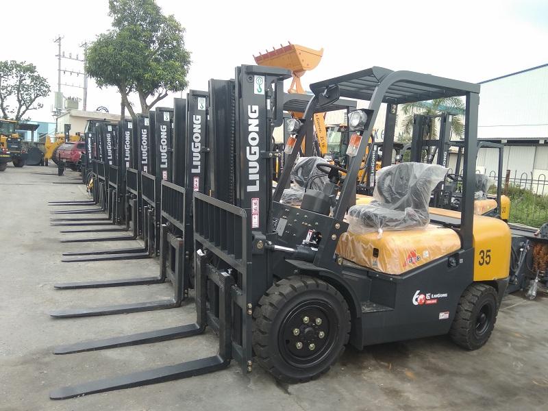 Xe nâng dầu Liugong CPCD30 - nâng 3 tấn
