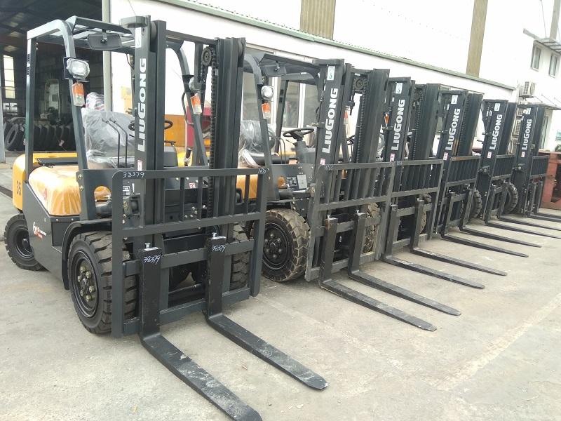 Xe nâng dầu 2 tấn Liugong CPCD20 - xe nâng hàng